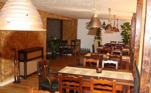 La Bodega Bistro & Cafe