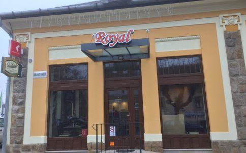 Royal Prémium Svédasztalos Étterem Vác
