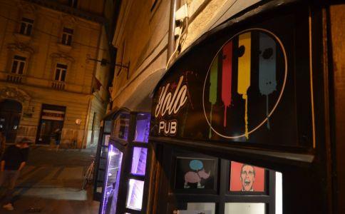 Yolo Pub