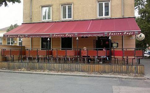 Junior Café