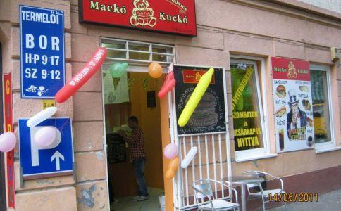 Mackó Kuckó Hamburger Bár