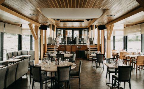 Vogue Boat Café & Restaurant