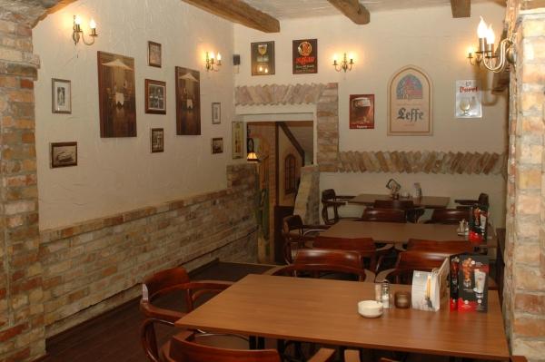 ebfa323b7f Poirot Pub - Etterem.hu